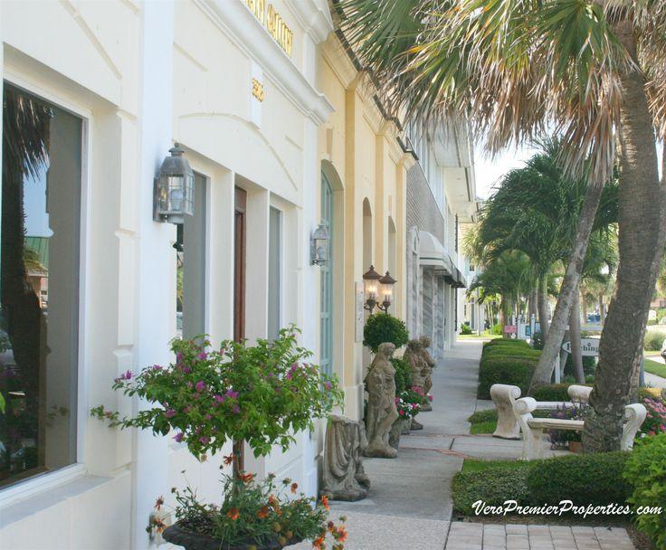 OCEAN DRIVE VERO BEACH FLORIDA. Charming street with boutiques, shops and restaurants.  http://www.VeroPremierProperties.com