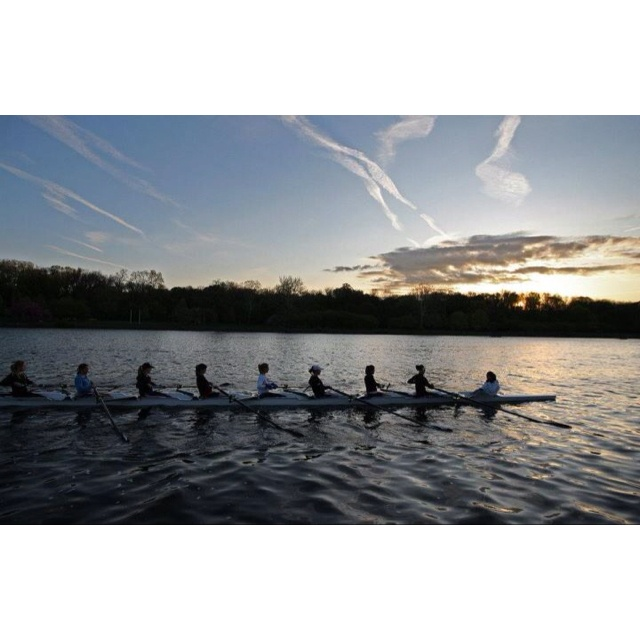 UPenn women crew. I so badly want to do this on the Schuylkill