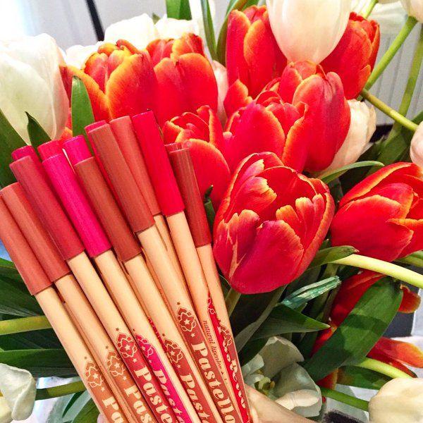Welcome March!Arrivati i nuovi pastello labbra e occhi @nevecosmeticsOnline su PharmaNatura.bio!#nevecosmetics