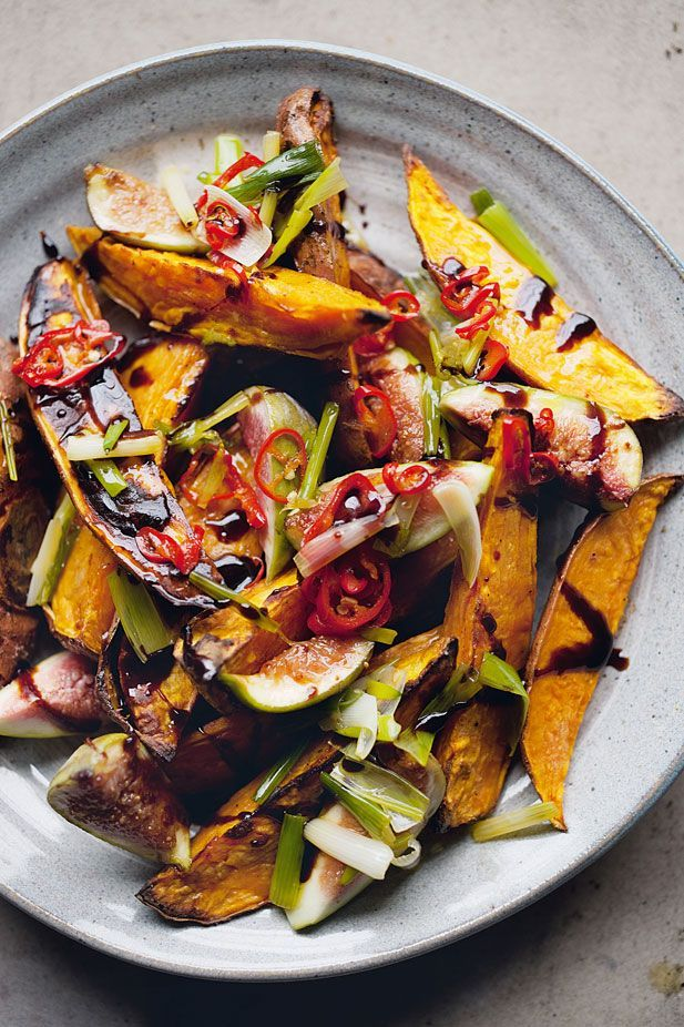 Roasted sweet potatoes and fresh figs//4 small sweet potatoes (1kg) 5 tbsp olive oil 40ml balsamic vinegar 20g caster sugar 12 spring onions,  1 red chilli, thinly sliced 6 fresh/ripe figs , quartered