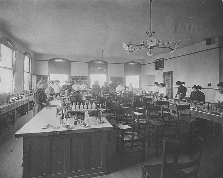 Tech School Springfield MassChem lab 1900's Springfield