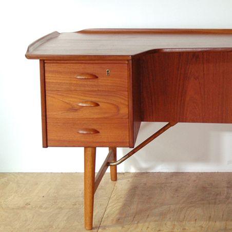 Desk  designer: Peter Lovig Nielsen  maker: Lovig Design