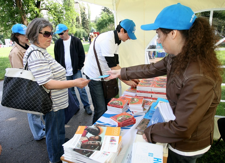 Presentation of a cookbook containing one hundred recipes from refugees living in Bulgaria in Sofia's South Park on 20 June 2010, World Refugee Day. © UNHCR/B. Kichukov/2010