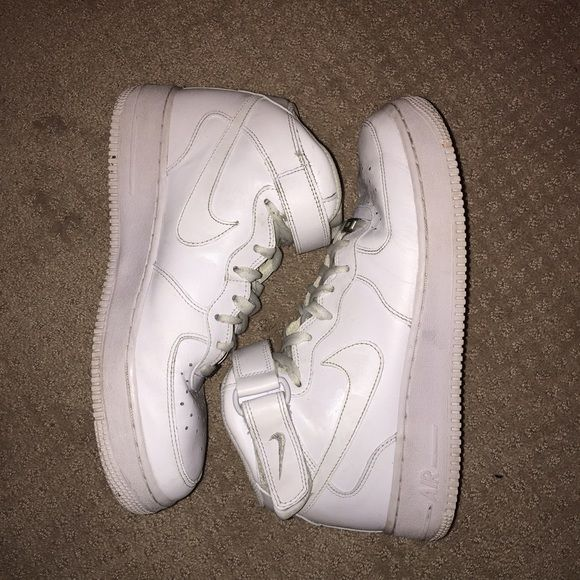 Nike AF 1's Super cute Nike AF 1's. They are gently worn and super cute Nike Shoes Sneakers