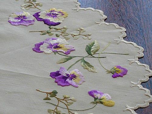 Em's Heart Antique Linens -Antique Society Silk Embroidered Doily Centerpiece