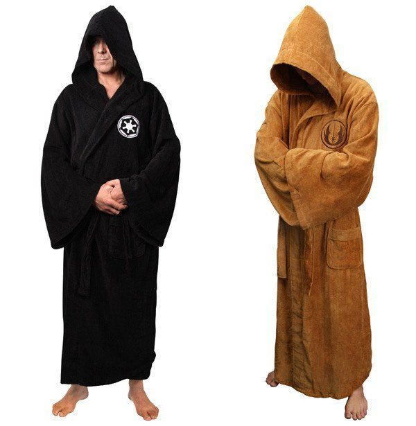 The Force will be with you at all times when you wear this Star Wars Robe. This adult size hooded robe is made from 100% cotton velour, comes with large pockets, cotton belt and Jedi embroidered logo
