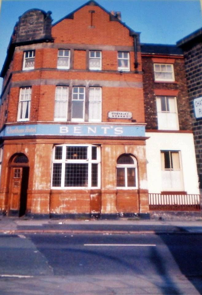 Chatham Hotel Pub Overbury St 1971