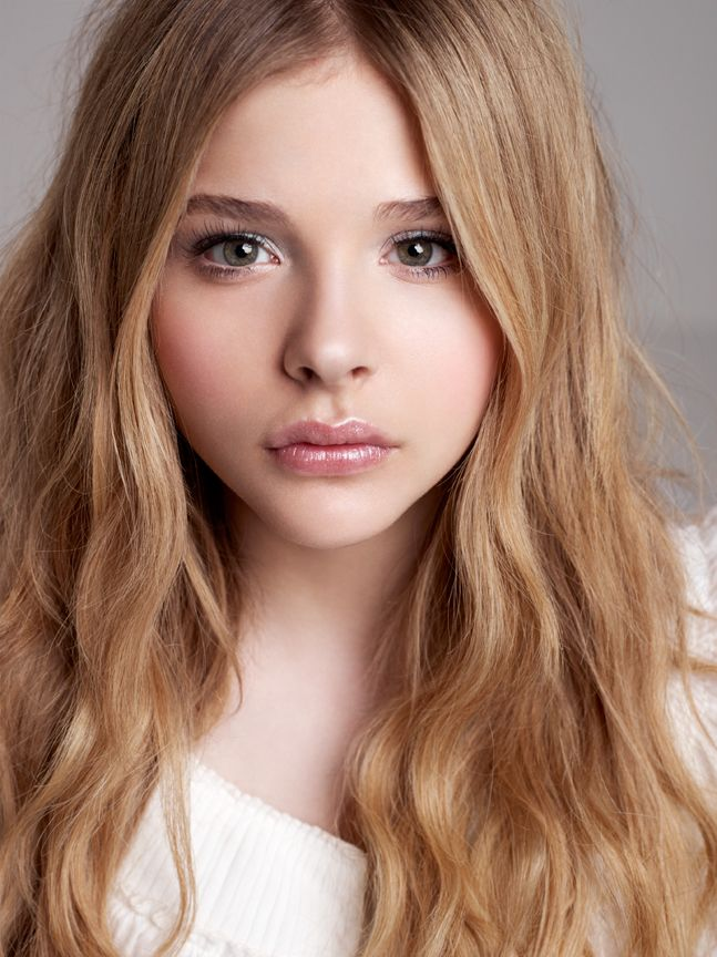 Chloë Moretz with that wonderful hair and face of hers.