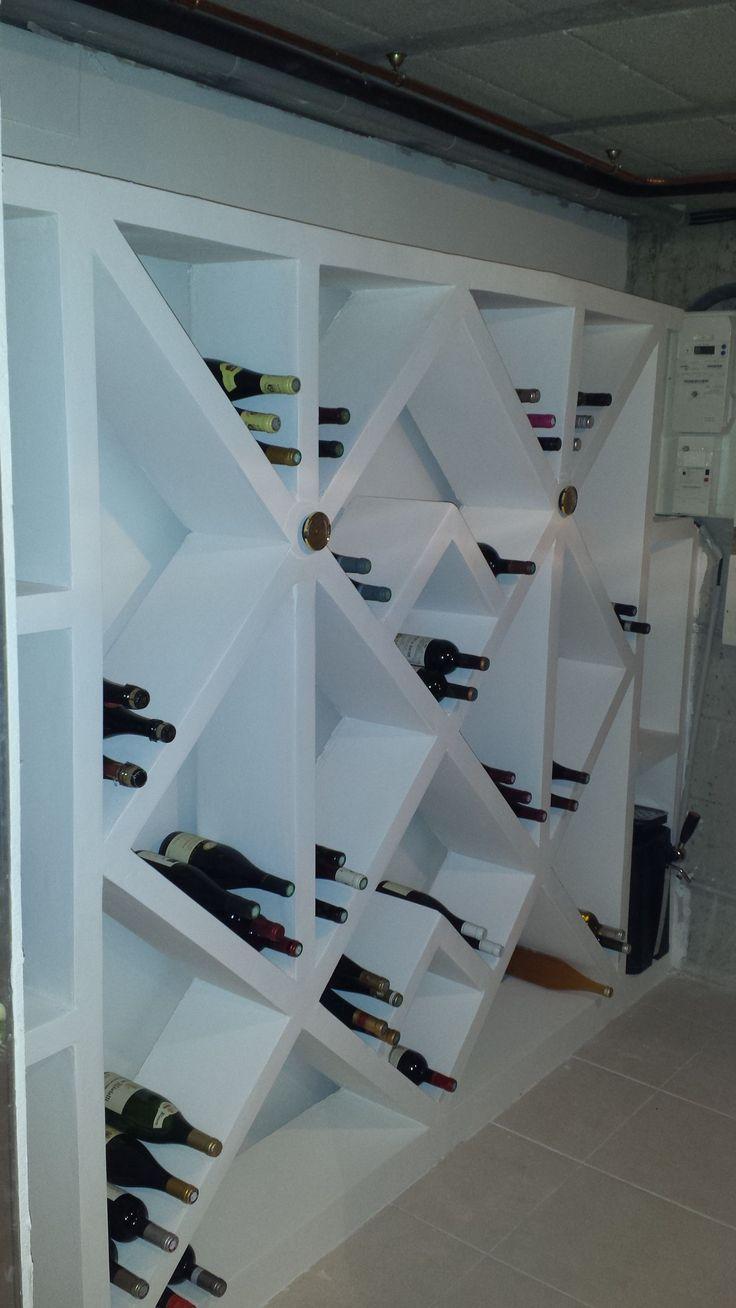 r alisation d 39 une cave vin en beton cellulaire bosch rangements pinterest b ton. Black Bedroom Furniture Sets. Home Design Ideas