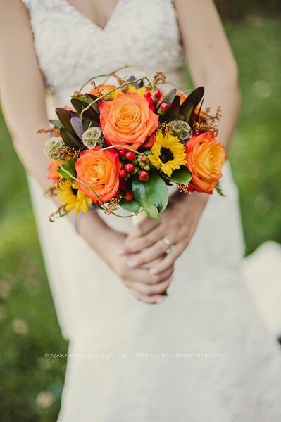 fall wedding flowers- beautiful , happy flowers!