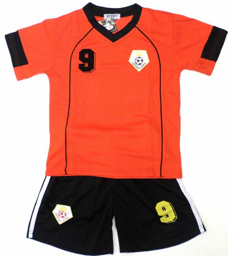 "Boys Football Kit Short Set Netherlands Black Orange 2 10Years BNWT Nederland **************************************** סט של חולצה ומכנס של נבחרת הולנד, מגיל 2ועד גיל 13, החל מ 82 ש""ח ומשלוח חינם לישראל"