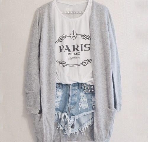 Soft grunge / high waisted shorts / crop top / summer outfit / summer fashion / slouchy sweater