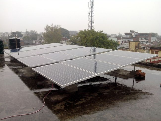 #Solar_Panels #Solar_Projects Success Story / Case Study - Solar Energy Project - Solar Panels installed by Perfect Aurarays in Tarwa, Azamgarh, Uttar Pradesh, India. http://www.aurarays.com/projects/solar-project-tarwa.aspx