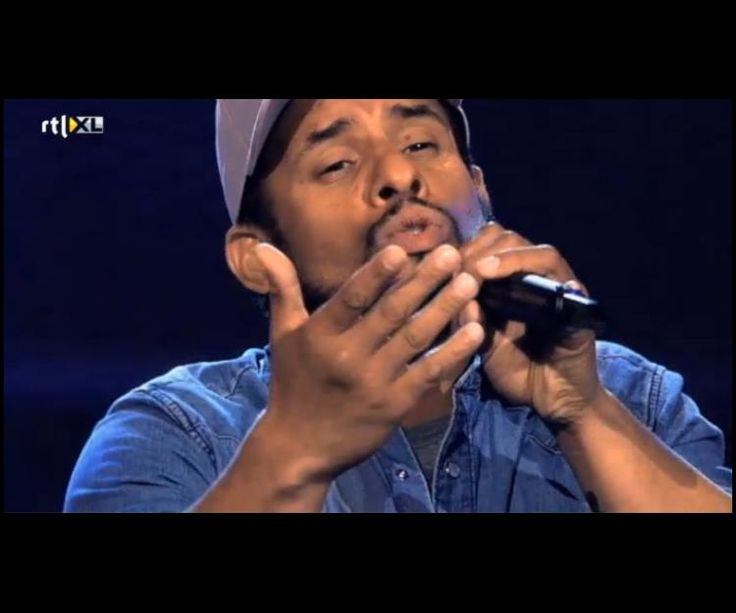 Mitchell Brunings singing a Bob Marley song, Redemption Song, and performs it beautifully. The Voice Of Holland 2013 Blind Auditions