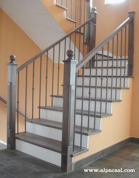 Barandilla de forja con pilastras y pasamanos en madera - Pasamanos de madera para escaleras ...