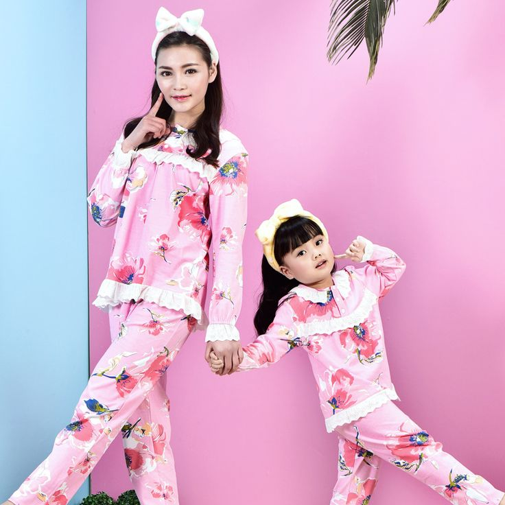 Family Christmas pajamas Children's pajamas for girls matching mother and daughter clothes kids sleepwear 2016 print  Home wear