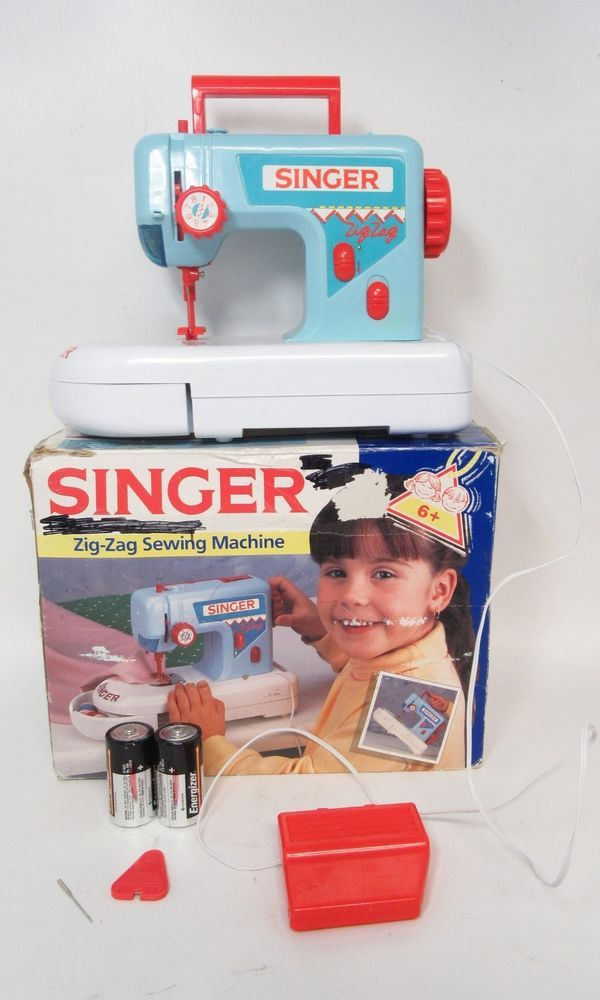 Childs Singer Zig-Zag Child's Toy Sewing Machine Vintage Handle Compartment 1993 #SINGER #Singer