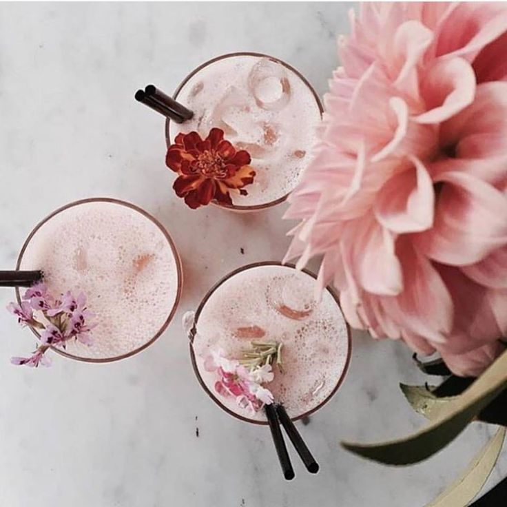 Pretty pink florals & cocktails   #flowers #cocktails #drinks #pinkflowers #floral #freshbloom #styleblogger #modelstyle #bloggerbabe #stylish #fashionblogger #fashionboutique #fashionshoot #fashionista #streetfashion #highstreetfashion #highfashion #cocktaildress #cocktailparty #cocktaildresses #bridalshower #bridalshowerdress
