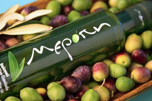 Heerlijke griekse biologische olijfolie! Prachtige lijn en verpakking zo mooi, perfect ook als geschenken.