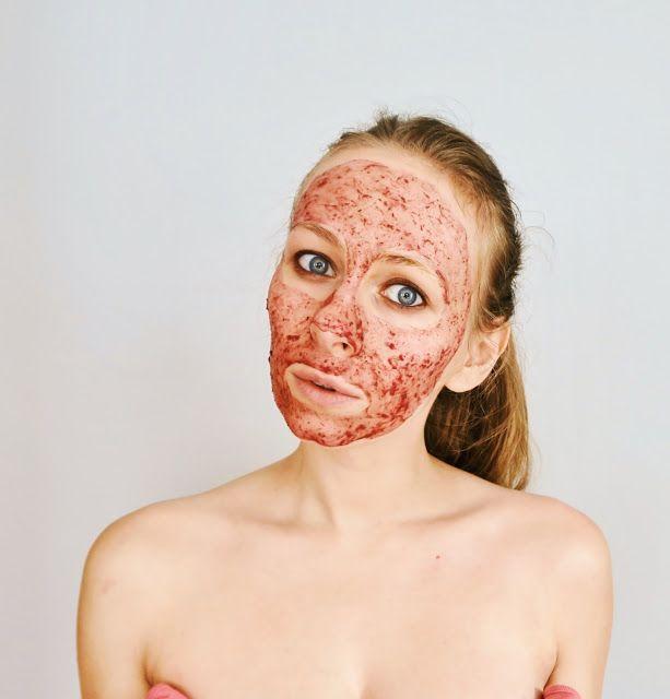 DIY: Maseczka z płatków róży przeciw starzeniu się skóry