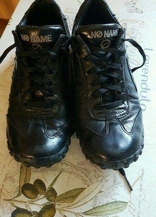 À vendre sur #vintedfrance ! http://www.vinted.fr/chaussures-femmes/baskets/25243076-chaussures-no-name-noire-pointure-36
