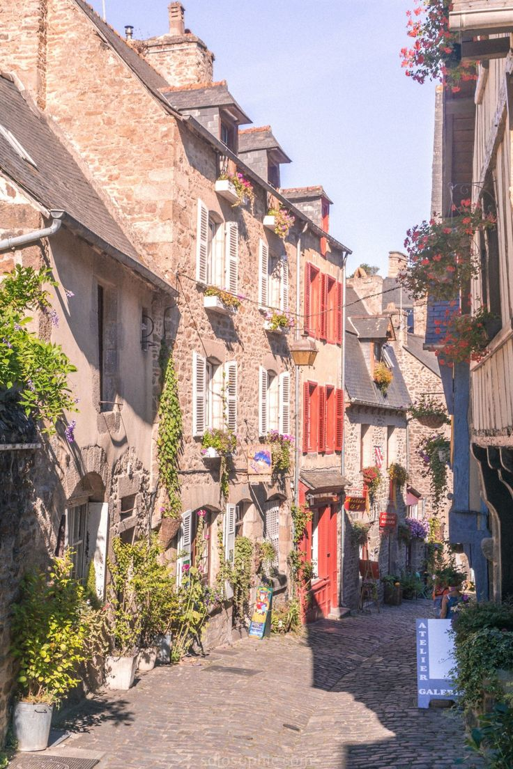 How to Spend three days in Brittany, North West France. 72 hours in the Brittany region of France: Dinan, Saint Suliac, what to see and what to eat!!