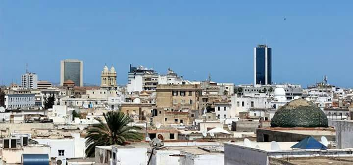 Up in the Air, for another look at the heir of Carthage: 1000+ year old Tunis as seen from the roofs of its #oldtwon by Ons Karoui, #Tunisia