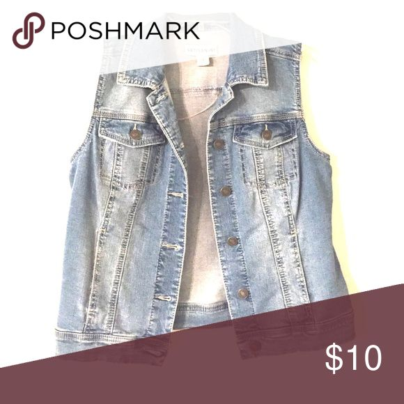 Sleeveless denim jacket Sleeveless jean jacket with four pockets and buttons. Only wore it once to a concert. Jackets & Coats Jean Jackets
