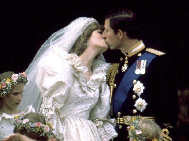 """Prins Charles: """"Mijn huwelijk met Diana leek op een Griekse ... - Het Nieuwsblad: http://www.nieuwsblad.be/cnt/dmf20170605_02911697?_section=60118825"""
