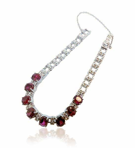 Ruby Brilliant Bracelet  Rubin-Brillant-Armband mit 0,942ct Brillanten, 8,456ct Rubine in 750 Weißgold