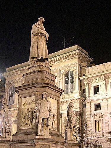 M<3 Milano | Monumento a Leonardo, Piazza della Scala