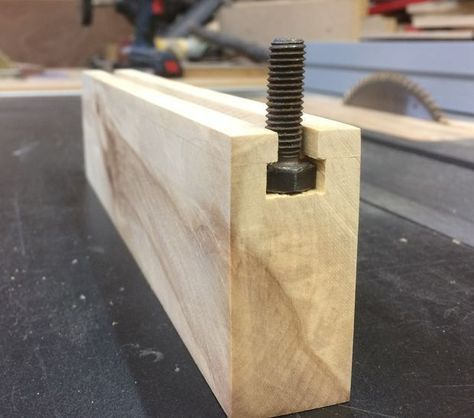 Simple T Track for Woodwork Jigs #woodworkingtips