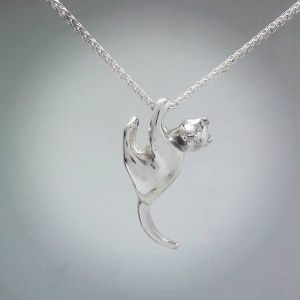 Sterling Silver Hanging Cat Pendant: R400.00
