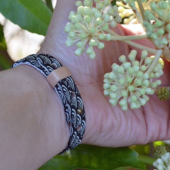 Japanese kimono bracelet. Genuine leather covered in by PATUWA