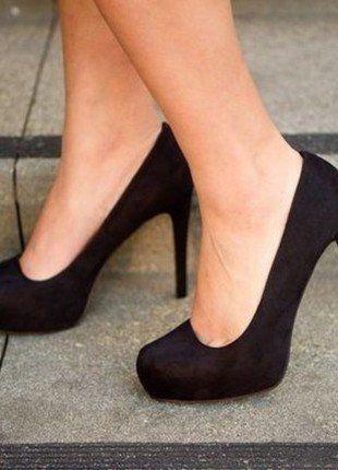Kupuj mé předměty na #vinted http://www.vinted.cz/damske-boty/vysoke-podpatky/16581281-cerne-semisove-boty-na-podpatku