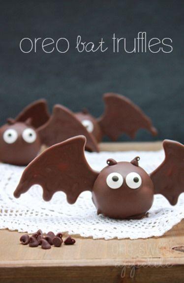 Trufas de galletas oreo de murciélagos con alas de chocolate. #PostresDeHalloween