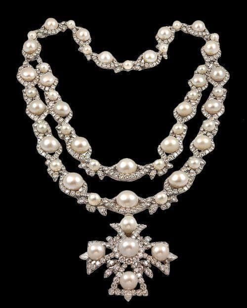 .....Cartier pearls and diamond necklace