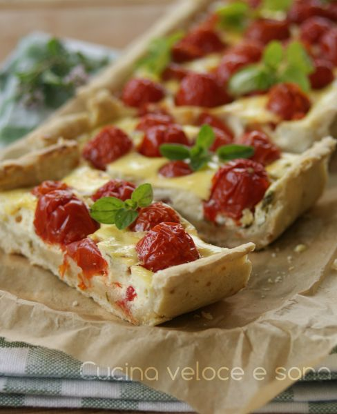 crostata con pomodorini