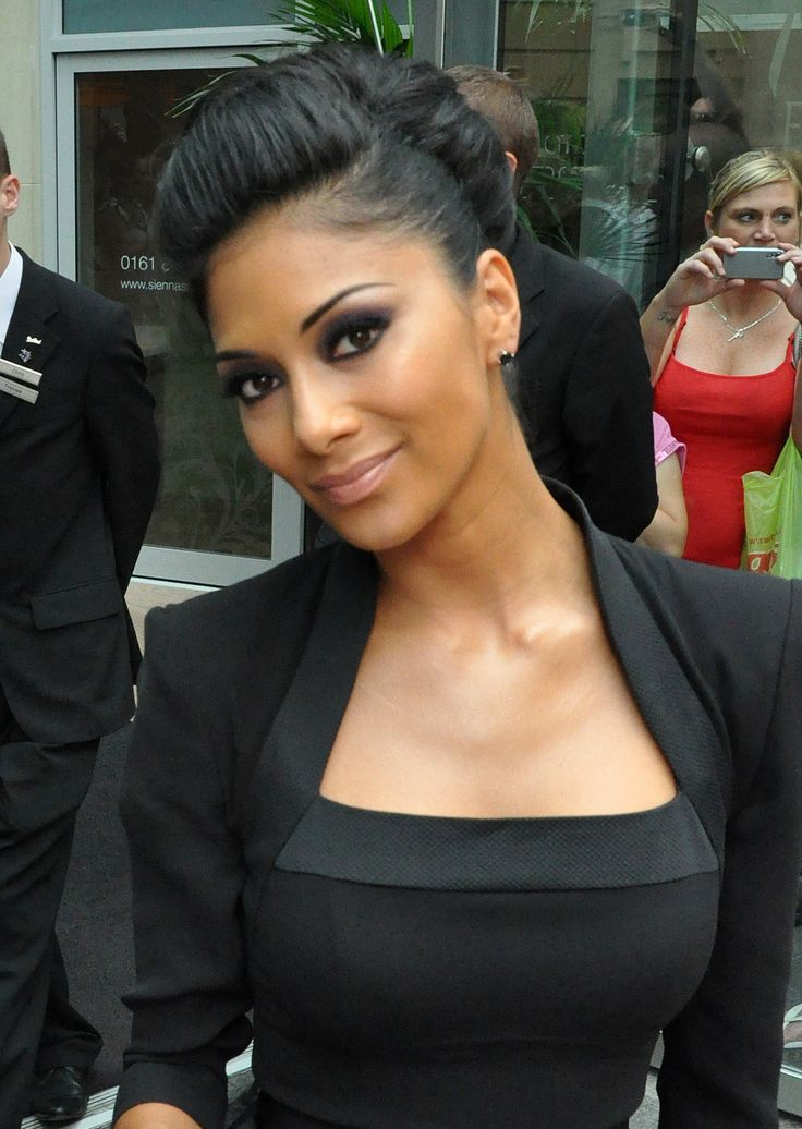 Edgy classic. Nicole Scherzinger. Bold dramatic eyes and neutral lips. Beautiful make up look for tan skin.