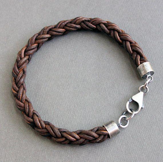 Mens tressés en cuir Bracelet brun épais en par LynnToddDesigns                                                                                                                                                                                 Plus