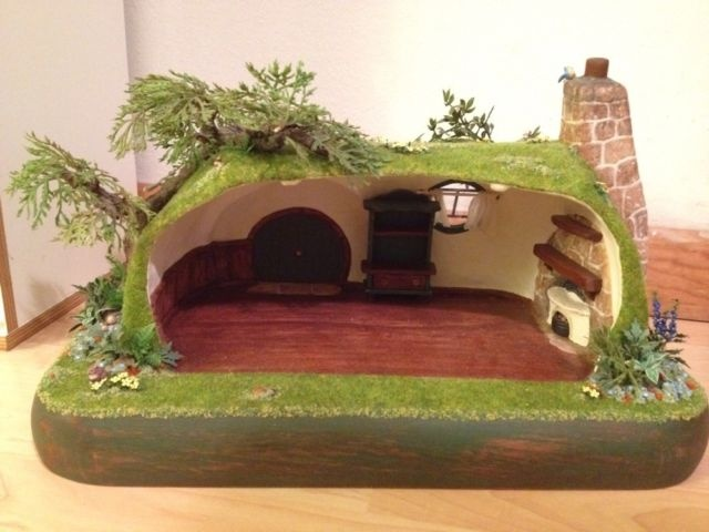 17 best images about miniaturas casinha hobbit on for Hobbit house furniture
