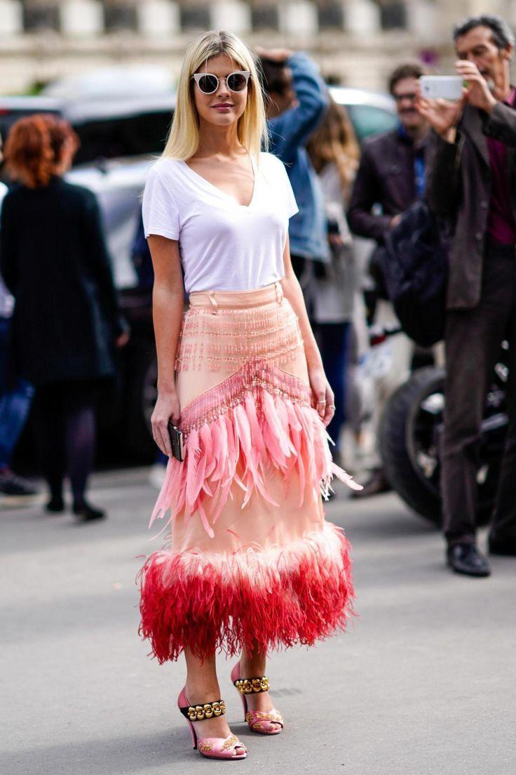 e637e7656 Styling a feathered pink midi skirt | FASHION | Fashion, Style ...