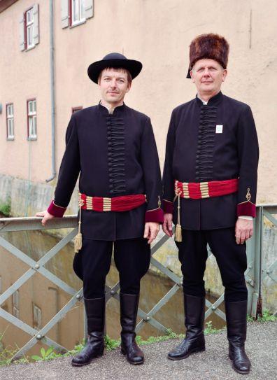 Siebenbürger Trachten. Costume from Saxon Transylvania. Agnetheln-Agnita-Harbachtl-Siebenbürgen