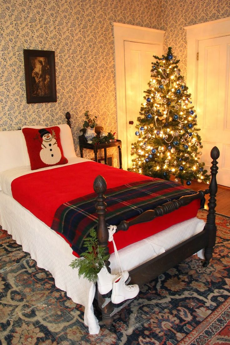 Christmas bedroom The White Columns Historic Home, Kennebunkport Maine