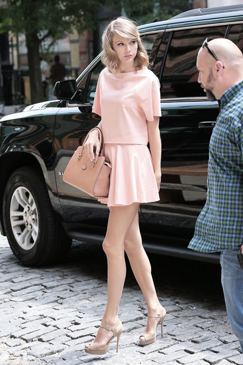 Taylor Swift style. I love her but her legs are too skinnies