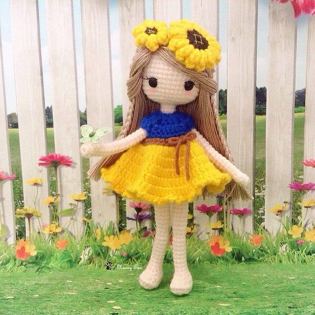 Lovely sunflower girl ~ You are my sunshine, my only sunshine. You make me Happy when skies are grey  ~ 向日葵娃娃