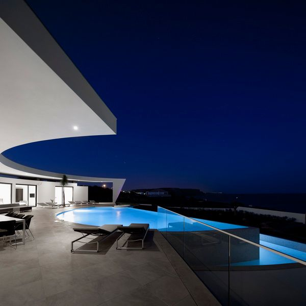 yes, i would like to go swimming, thank youMario Martin, Lights Fixtures, Lake Portugal, Contemporary House, Future House, Dreams House, White House, Modern House, Outdoor Pools