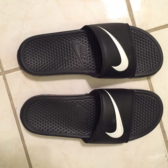 Nike Slides MEN Nike Slides. Almost New condition. Get these for your boyfriend for Christmas  Nike Shoes Sandals