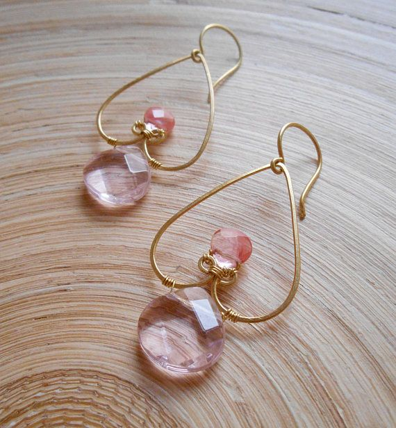 Corazon heart bridal gemstone beaded hoop earrings pink dangle drop wedding cherry rose quartz gold fill Valentines romantic gift for her Total height (including ear wires): 6,40 cm (2 1/2 inches) Width: 2,50 cm (1 inch) Weight: 4 grams