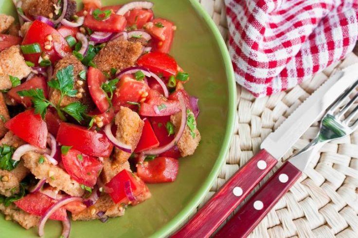Panzannela salotos su paprika